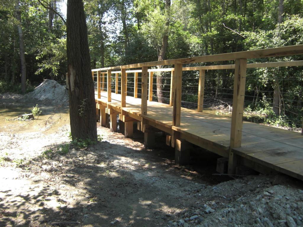 Vista attraversamenti con pontili in legno